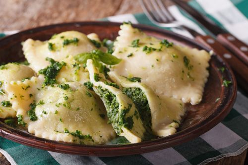 Classic Italian Spinach and Ricotta Ravioli (Ravioli con Ricotta e Spinaci) | Enjoy this authentic Italian recipe from our kitchen to yours. Buon Appetito!