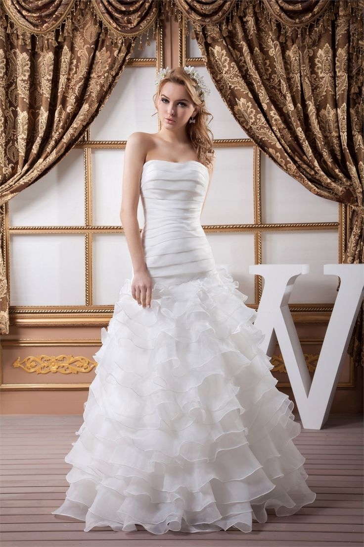 Robe de mariée fourreau sans manches en organza volant en cascade