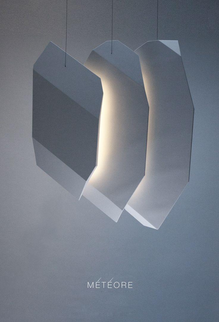 « Météore » est un luminaire en plâtre qui utilise les capacités réflectives de la matière.  Cette suspension est conçue comme un bloc de gypse taillé en 3 lames, entre lesquelles se glisse la source lumineuse. La variation possible de la lumière permet la « respiration » de l'objet en fonction de son intensité.