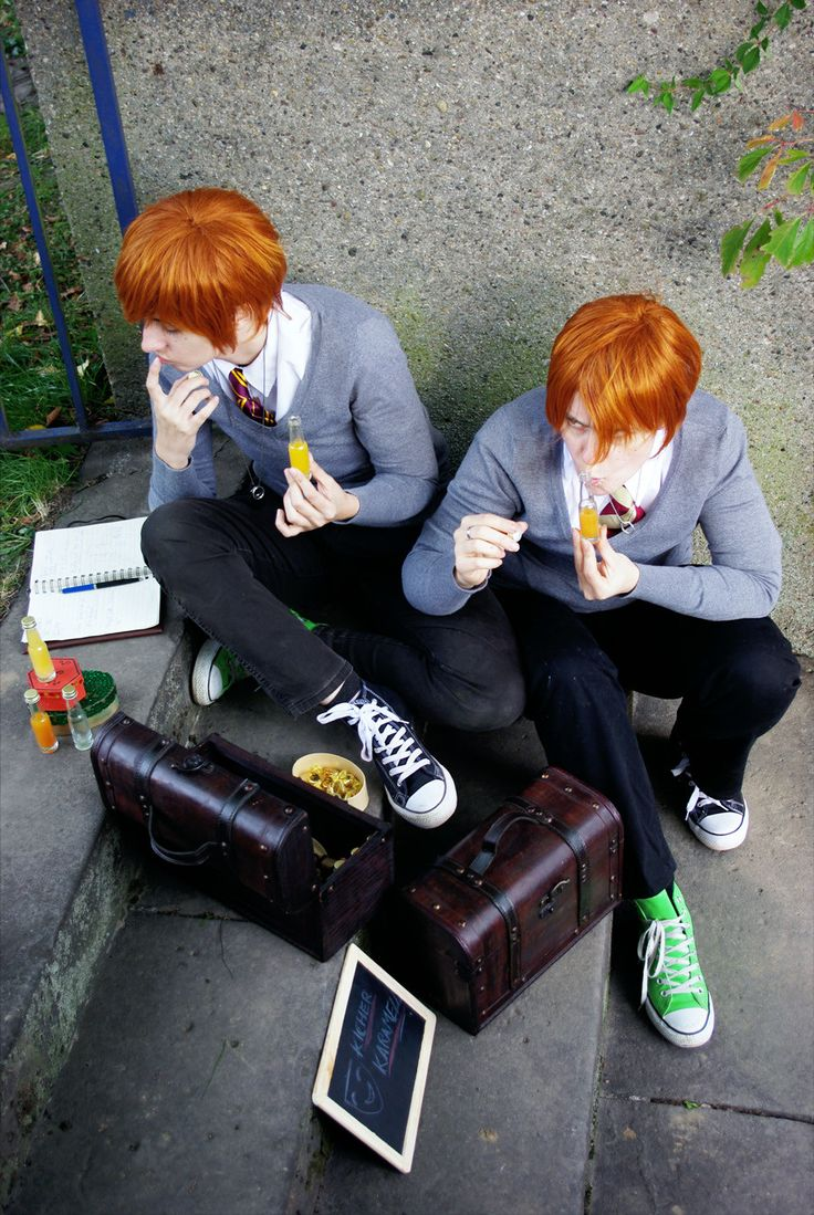 Weasley twins cosplay. These guys are awesome.