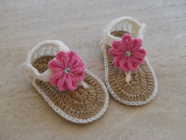 Crochet baby girl  Sandals 14.00 Euros Made Ready To Ship Please Visit My Etsy Shop MarilynsCreation