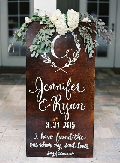 Mahogany sign: http://www.stylemepretty.com/2015/07/13/rustic-elegant-jacksonville-wedding/ | Photography: Lauren Peele - http://www.laurenpeelephotography.com/
