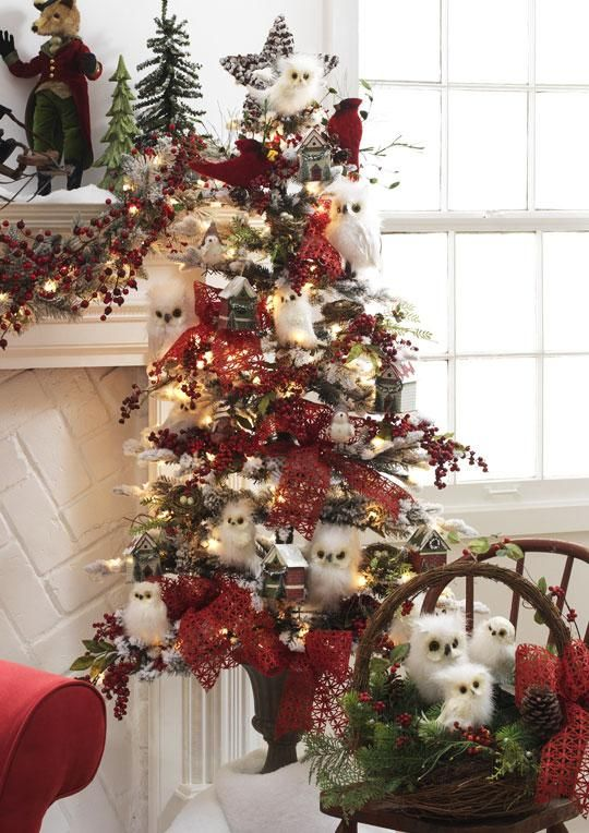 16 best christmas tree decorated with flowers images on. Black Bedroom Furniture Sets. Home Design Ideas