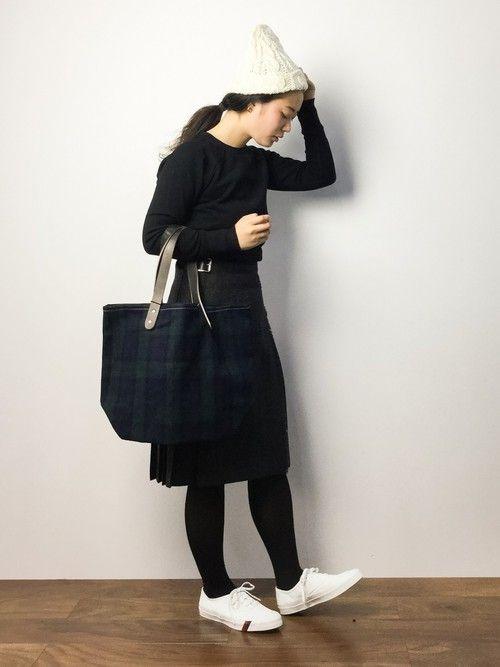 この冬も一枚あれば重宝します! 丈別・黒スカートのコーデ集 | キナリノ