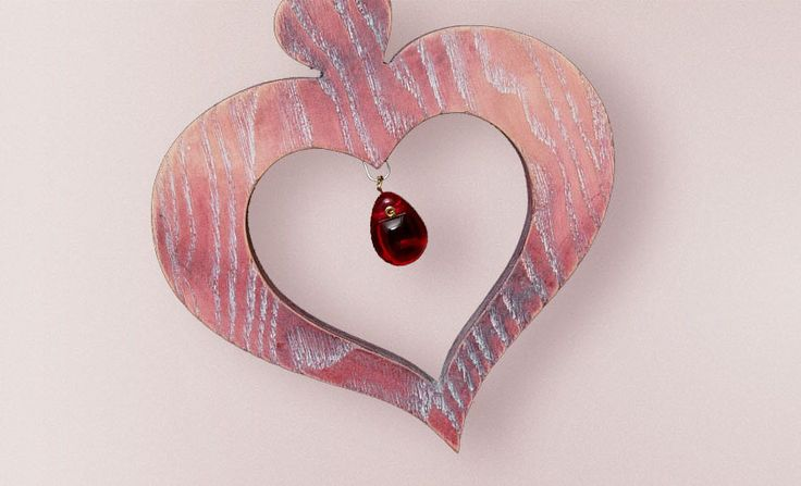 Gift something that expresses true originality like this lovely heart by Choralis Art. Interested in a piece of art by Choralis Art? Shop now at https://choralis.art/ #choralis #art #something #new #handmade #decoration #decorations #wooden #cherry #maple #ash #precision #inimitable #murano #glass #crystals #gilded #painted #amazing