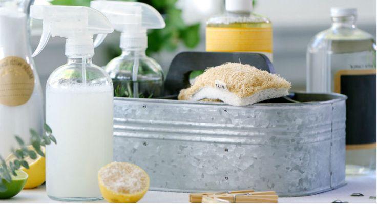 Veja dicas e receitas naturais para limpar vaso sanitário, retirar manchas e deixar o seu banheiro limpinho, cheiroso e sem agredir a sua saúde!
