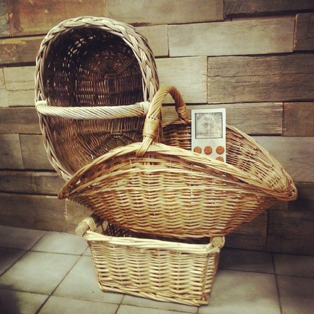 More nice baskets #vintage #interiors #industrial #design #loft #retro #vintageshop #sklepvintage #poznan #midcenturymodern #midcentury #vintagestyle #brutfurniture #junkstyledesign #basket #kosz #korb #wiklina #wnętrza