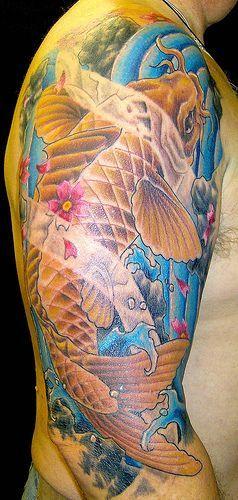 El pez koi o carpa japonesa, todo un clásico del tatuaje tradicional japonés. Aca les dejo varias fotos... Fuente:. Http://www.flickr.com/groups/koi_tattoo/. Espero les guste, se agradecen los...