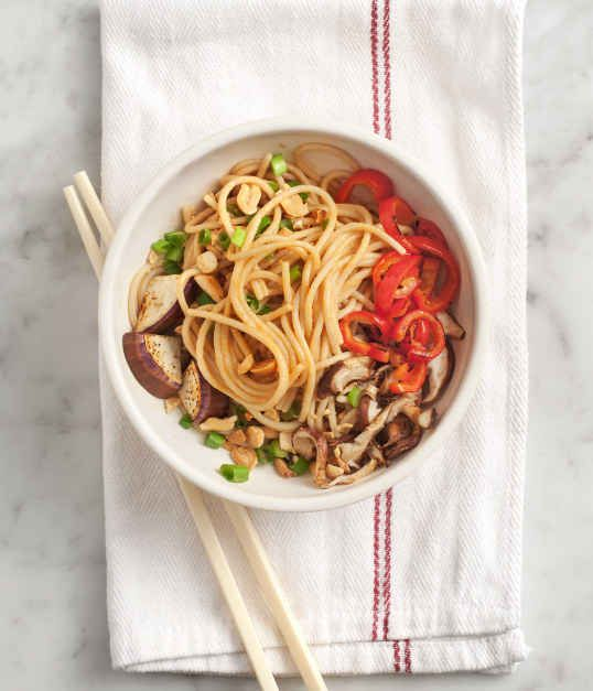 Easy Peanut Noodles | 30 Quick Vegan Dinners That Will Actually Fill You Up