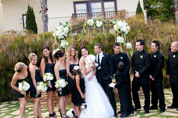 love the groomsmen black on black and the groom on white