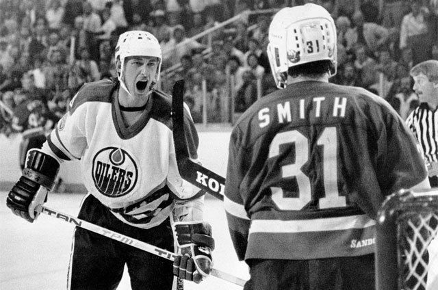 Two Of The Greats. Smith vs Gretzky
