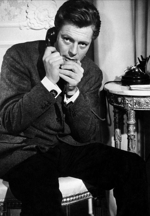 Marcello Mastroianni in 'La dolce Vita' dir. Federico Fellini