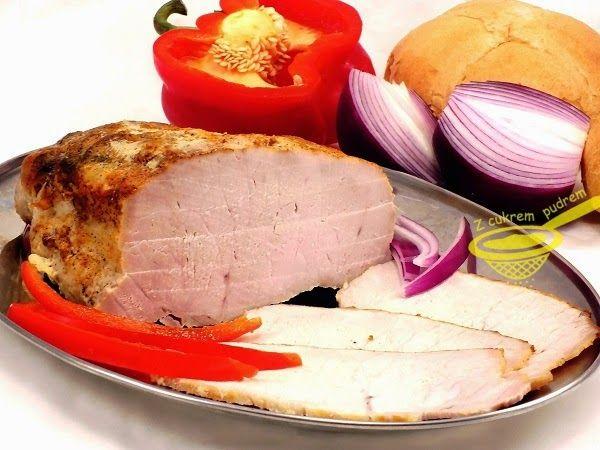 Słyszałam o nim, że jest delikatniejszy niż ten pieczony tradycyjną metodą i powiem, że to prawda :) Schab możemy podać na obiad z sosem ml...