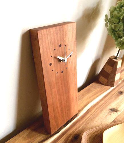 ギフトにお勧めうたたねの木の時計
