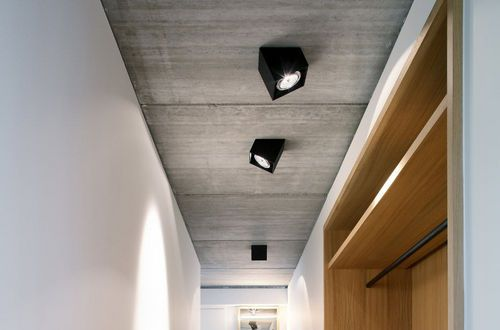 Surface-mounted downlight / LED / square 25° by Alain Monnens tossB