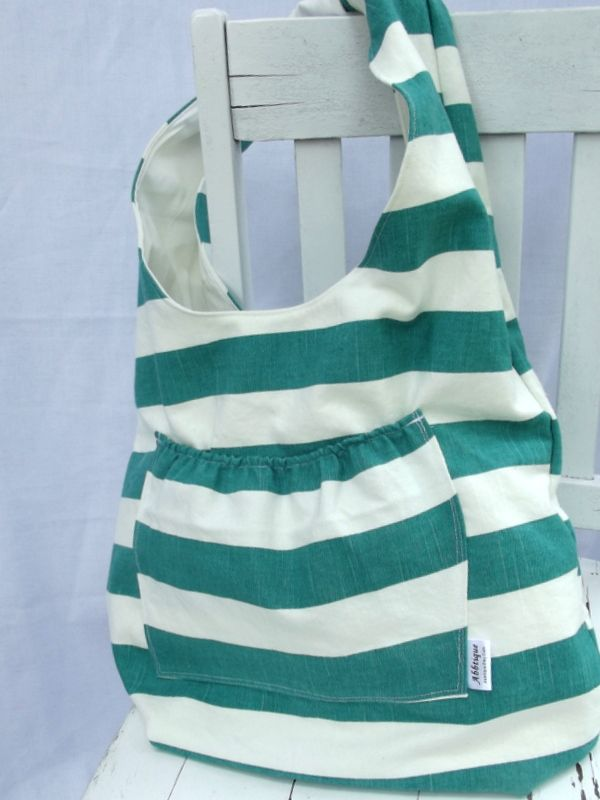 Hobo Bag tutorial by Abby of Morning by Morning Productions #sew #tute #diy