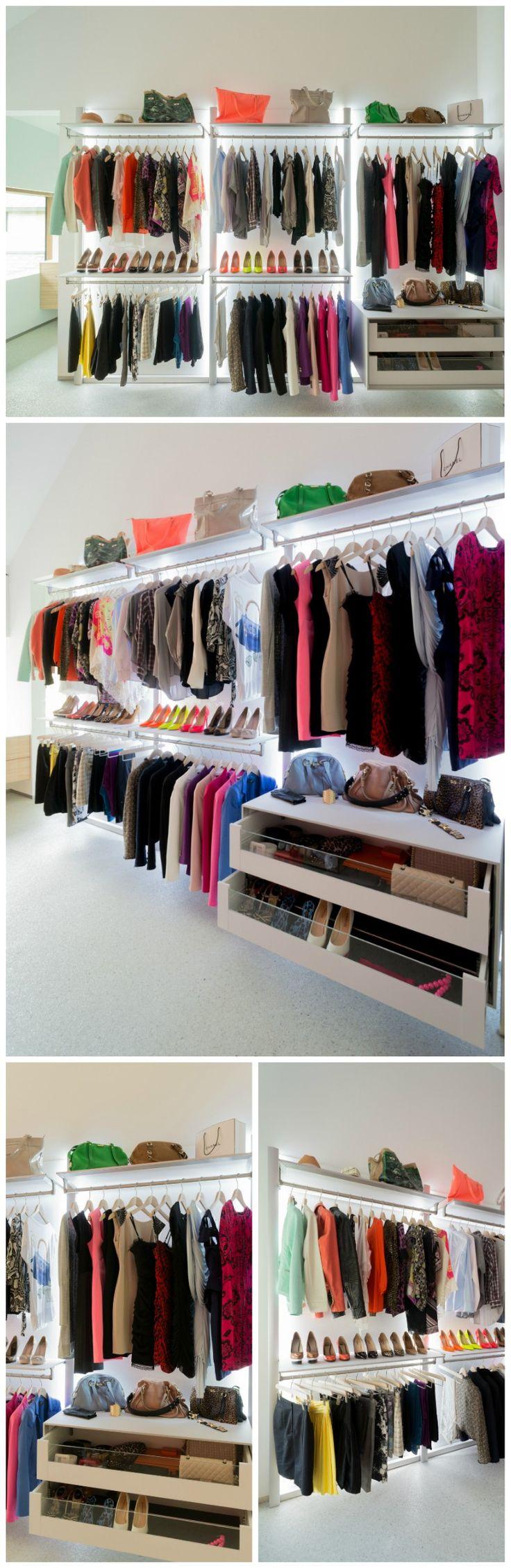Design inloopkast op maat van DRESS-A-WAY, een innovatieve Belgische kastenspecialist. Het modulaire inloopkast systeem wordt volledig op maat gemaakt met hightech materialen. Geanodiseerd aluminium, volkern en glas zijn de hoofdbestandsdelen in de mix en zijn allemaal onderhoudsvriendelijk, kleurvast en solide materialen. Meer info: http://dressaway.com