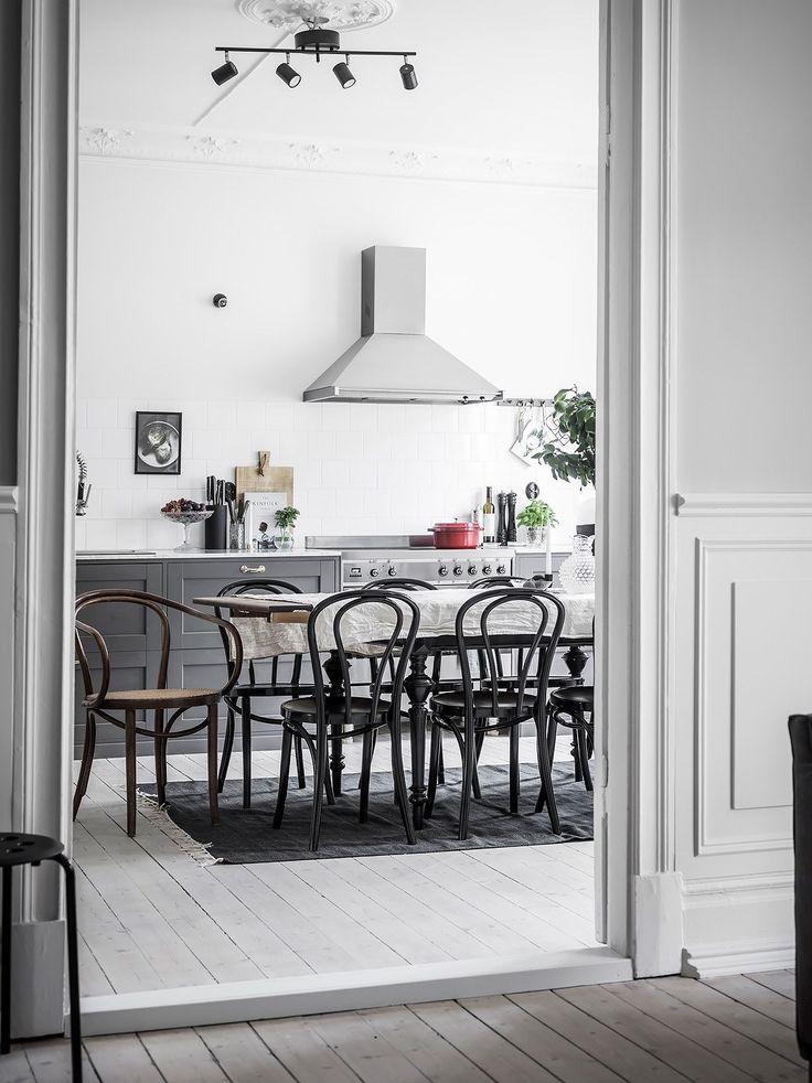 10 inspiring kitchens in grey - via Coco Lapine Design blog