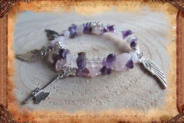 """Bracelet en améthyste et quartz rose, de style ethnique et guerrier, en fil à mémoire de forme, """"Eveil de la Skjaldmö"""" : Bracelet par freyja-s-faeries"""