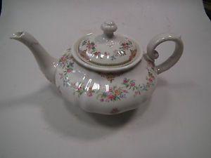 K & A Krautheim Astrid Blumen Bouquet Nr 8735 Teekanne Tee Kanne ca 1,0 Liter