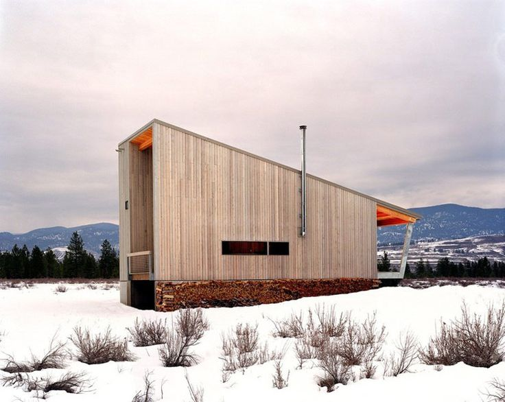 | Methow Cabin | A small shed roof cabin in a valley in Winthrop, Washington. Photos and designed by Eggleston/Farkas Architects. ~ click on photo for more ~ / The Green Life <3