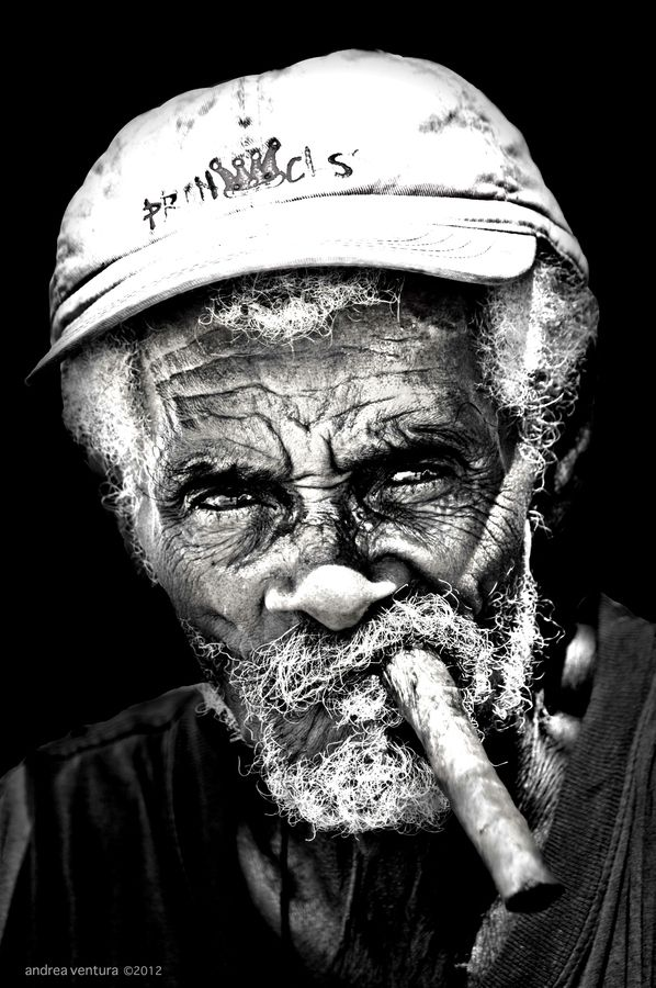 Cuba PORTRAIT by Andrea Ventura http://www.cuba-junky.com/havana/havana-city.htm @AndyandDebbie Thanks for sharing!
