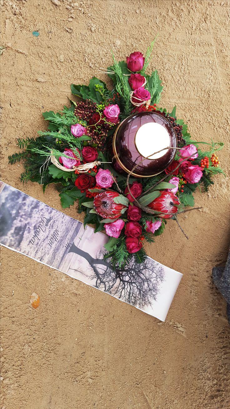 Liebevolles kleines Blüten-Arrangement als persönlicher Abschiedsgruß!