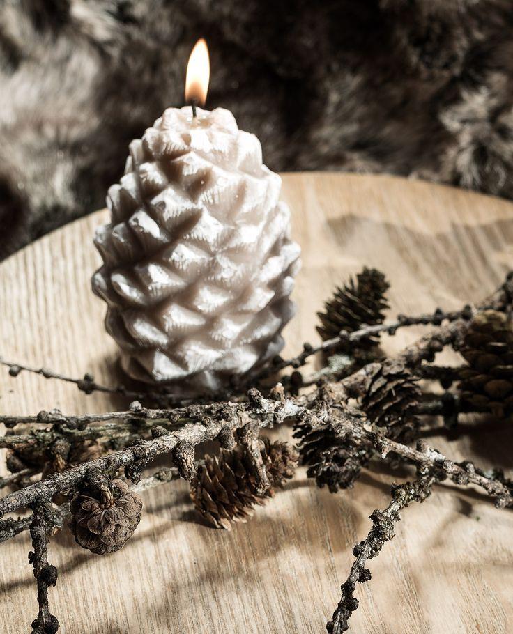 Bougie décorative patinée pomme de pin 10,5cm beige - Bougies La Française
