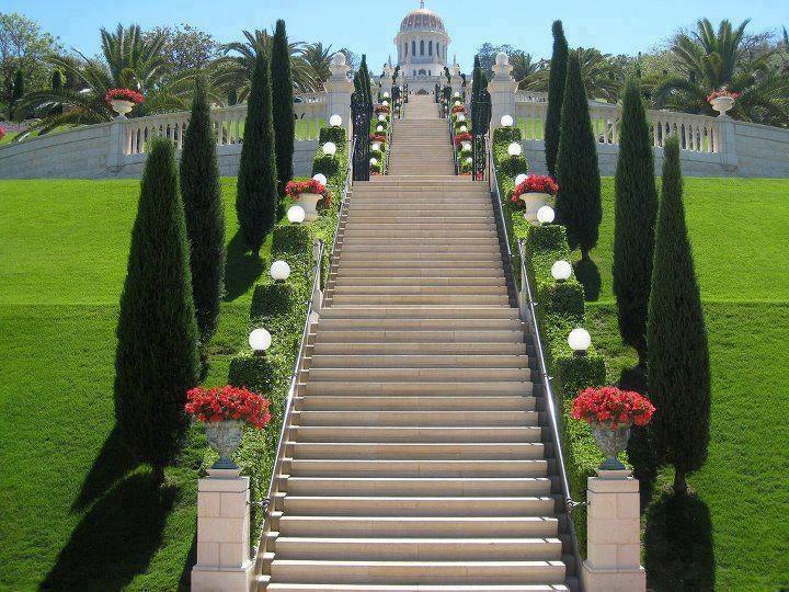 Bahai gardens, Haifa, IsraelBahai Faith, Bahai Gardens, Beautiful Landscapes, Awesome Stairways, Haifa Israel, Gardens Israel, Bahai Temples, Step Staircas, Beautiful Human