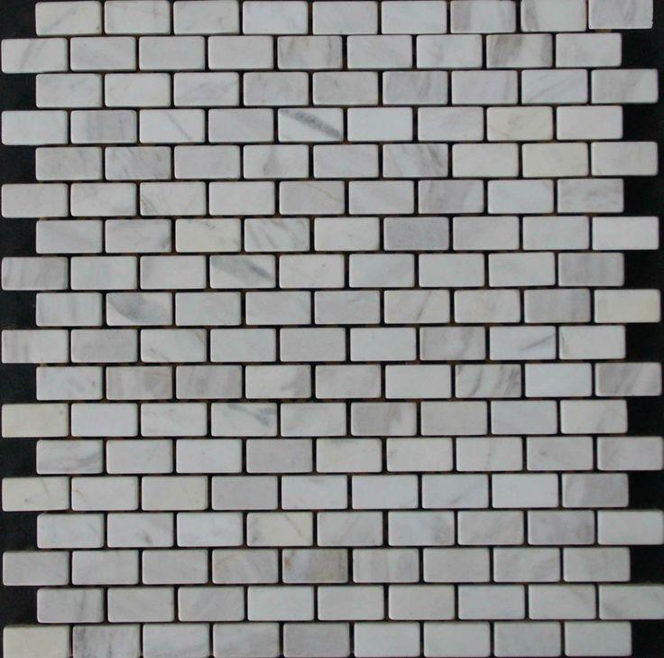 Mozaika marmurowa -  Kolekcja: Brico 1530; Kod: B153010; Wykończenie: ANTICO; Materiał: Volakas; Wym. Kostki: 1,5x3,0 cm; Wym. Plastra: 30,0x30,0 cm
