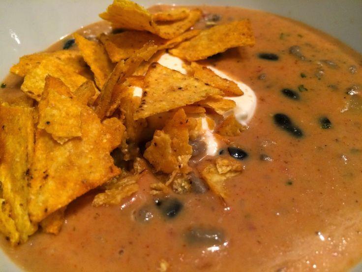 Een geweldige cheesy Mexicaanse taco soep. Moet je geprobeerd hebben, heerlijke maaltijdsoep voor in het weekend