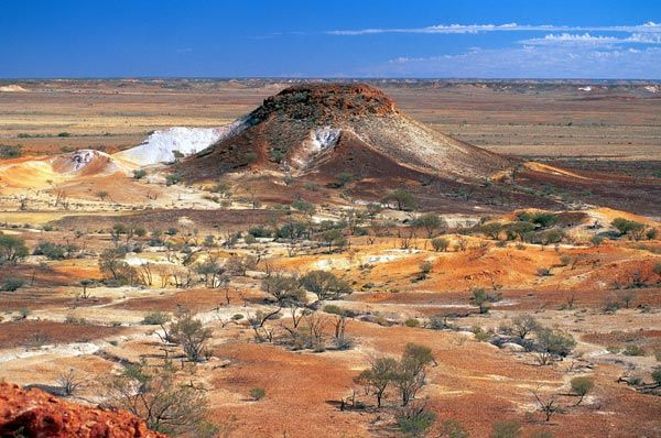 South Australian Film Corporation - Locations Gallery  The Breakaways near Cooper Pedy which is an opal mining post.