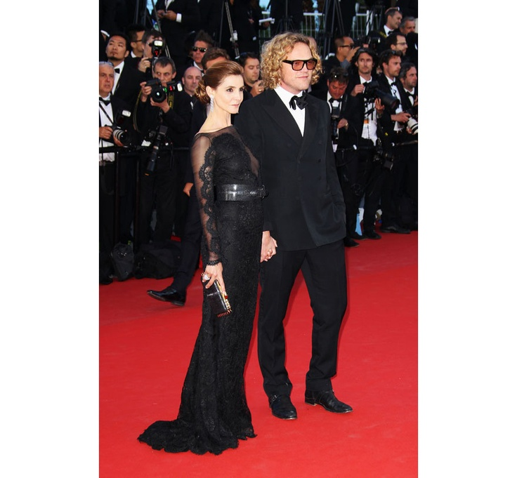 La montée des marches du film The Immigrant Festival de Cannes 2013 Peter Dundas and Clotilde Courau in Emilio Pucci