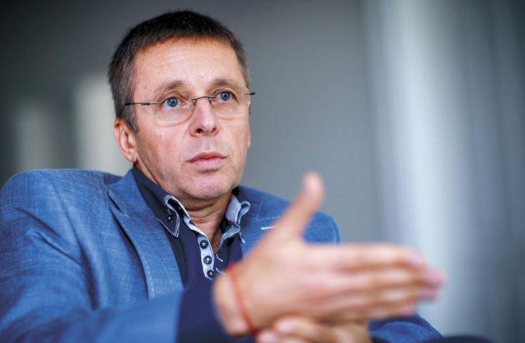 Ivan Mikloš začal pracovať na svojomnávrate do politiky. Skúša to oblúkom, cez momentálne veľmi diskutovanú tému školstva avzdelávania. Môže on osobne alebo MESA10, ktorej je prezidentom, priniesť do tejto diskusie niečo dôležité?