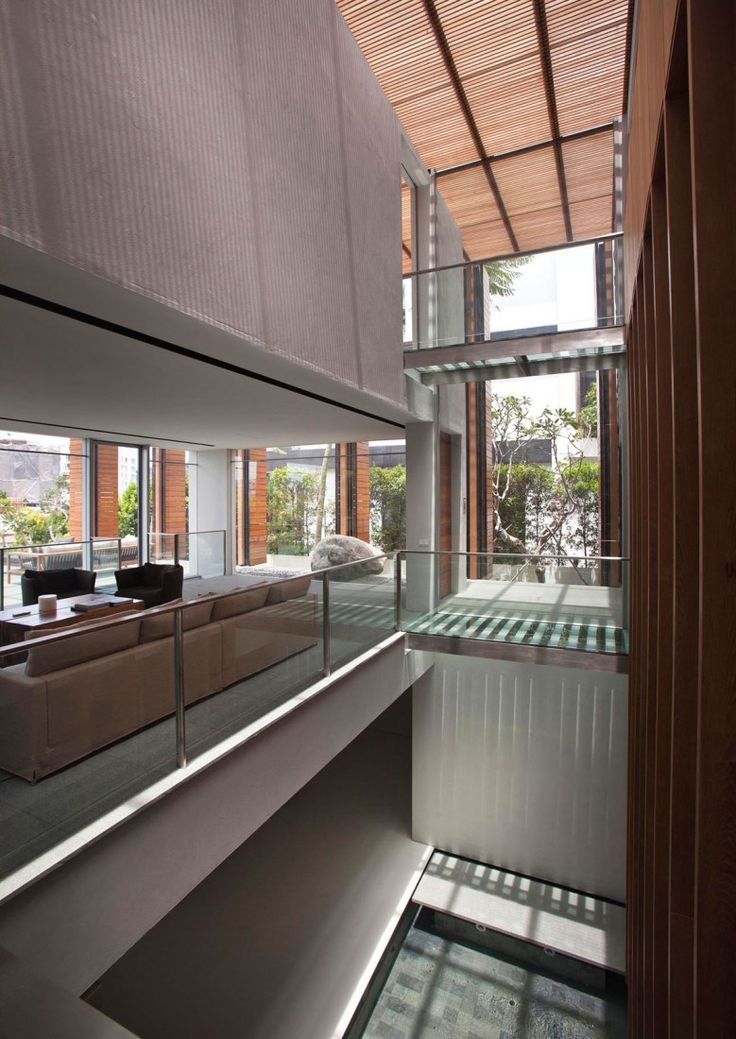 Upgraded Cove Way House by Bedmar and Shi 16