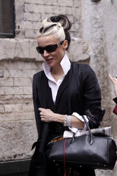 Daphne Guinness. id wear my hair like this when i get older. totally cruella deville