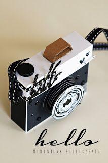 mini camera, black & white, pudełko, aparat foto, czarno-białe