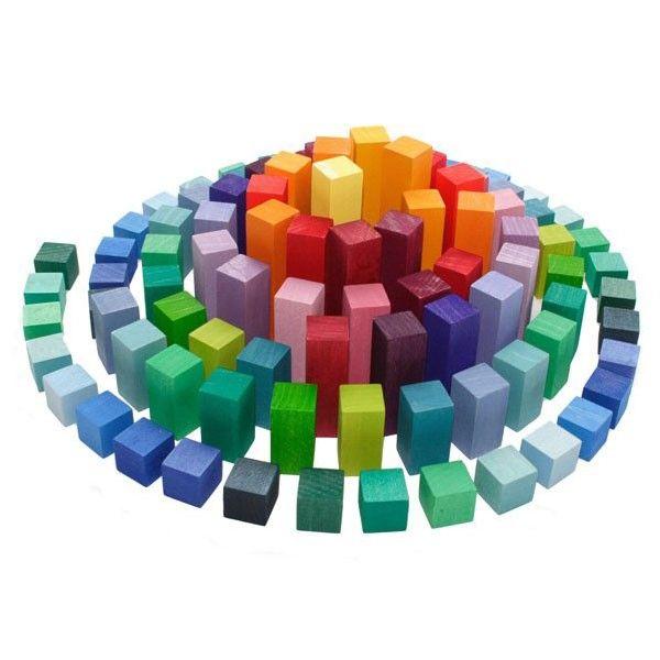 juguete de construcción pirámide bloques madera