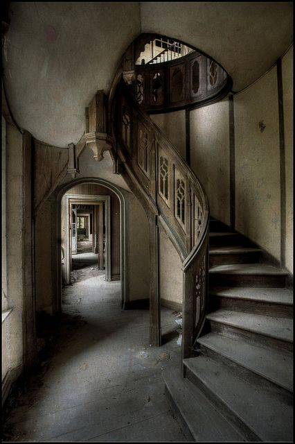abandoned and beautiful  Treppen Stairs Escaleras repinned by smg-treppen.de #smgtreppen follow us on Facebook: on.fb.me/Wrk0sM