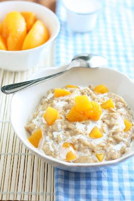 Peaches and Cream Oatmeal - Cooking Classy - yummy, didnt use cream tho, vanilla yoghurt instead (KH)