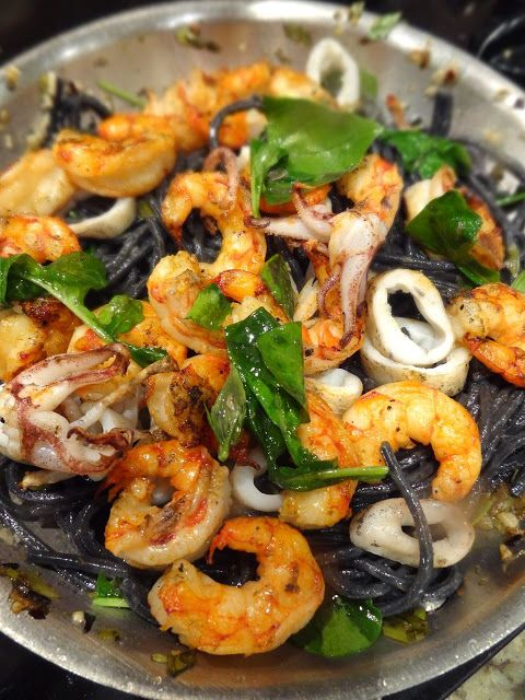 Scrumpdillyicious: Squid Ink Pasta with Prawns, Calamari & Arugula