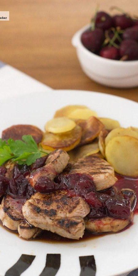Solomillo de cerdo con salsa de cerezas. Receta