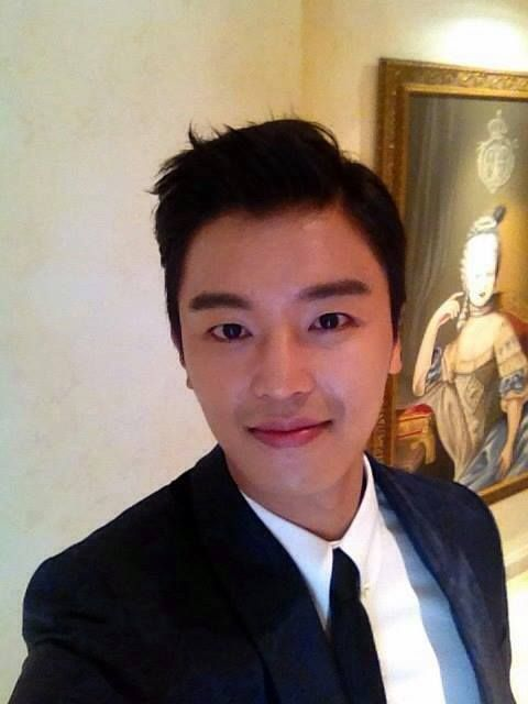 tvN Marriage, Not Dating - Yeon Woo Jin's selfie, backstage after the press conference