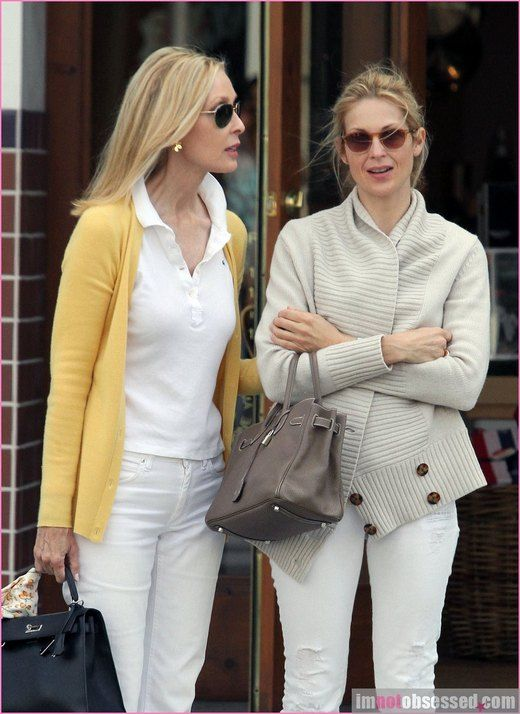 Kelly Rutherford Spends Time With Her Sister | Celeb Gossip, Celeb News and Celeb Pictures by I'm Not Obsessed