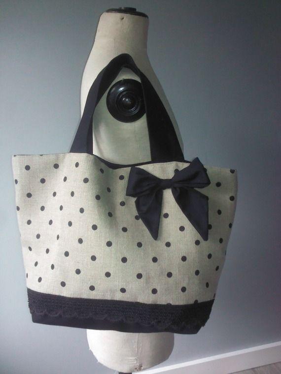 sac cabas en toile de lin a pois noirs et gros noeud