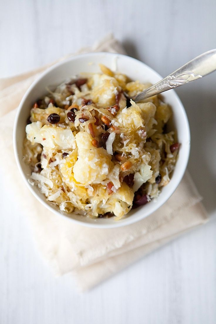 Spaghetti squash with cauliflower, anchovies, pine nuts, and currants « Five And Spice