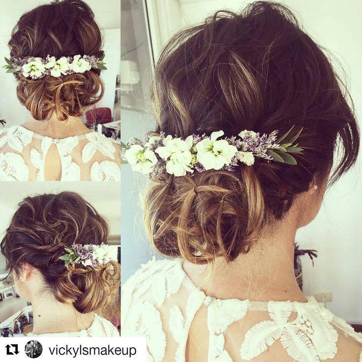 Divina Maga con su tocado  chalchalero!!    #Repost @vickylsmakeup with @repostapp  ・・・   M a g a  lista para su civil con un recogido recontra descontracturado y un tocado de los sueños de @chalchalflores #bride #beauty #recogido #tocados #flores #flowers #bridetobe #civil