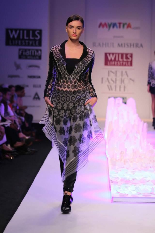 Rahul Mishra's Collection at Wills Lifestyle Fashion Week 2014