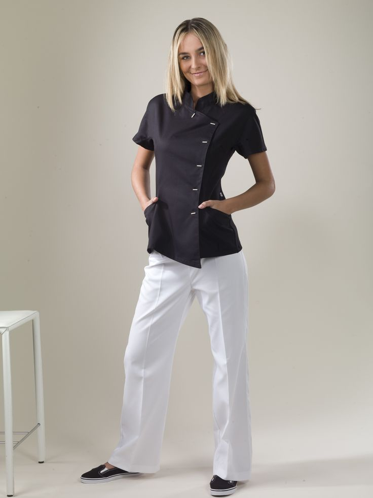 The 25 best spa uniform ideas on pinterest salon for Buscador de spa