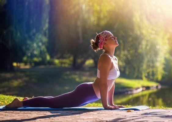 Rutina de 5 minutos de yoga para brazos fuertes y sin flacidez